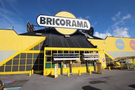 Bricomarché absorbe son concurrent Bricorama