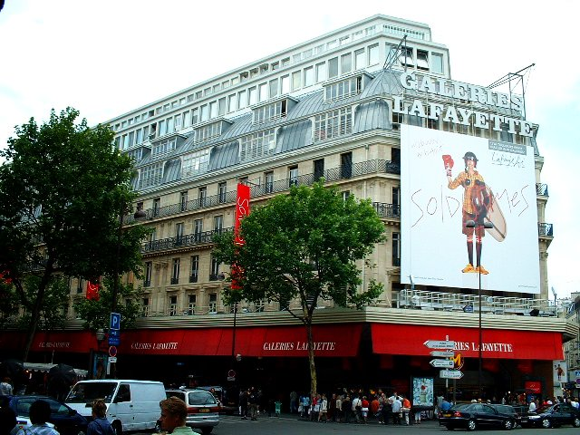 Les Galeries Lafayette recrutent 700 personnes